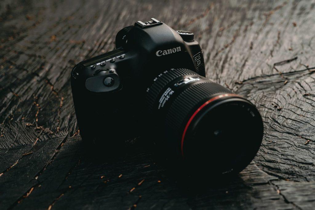 DSLR-Kamera 5D von Canon